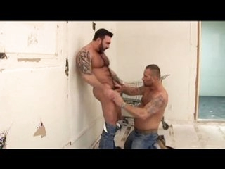 Queasy Musclebears Suck and Fuck