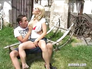 Outdoor blonde pussy shagging