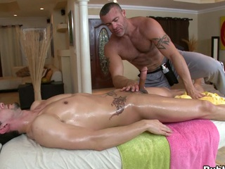 Cute massage defy is sympathetic all over eat turn this way thick but big dick!
