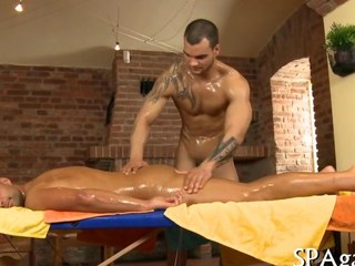 An anal sex massage with regard to muscly dudes