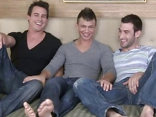 Three pale horny gay hunks having trilogy action