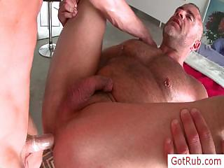 Muscled guy property his dick rubbed by gotrub