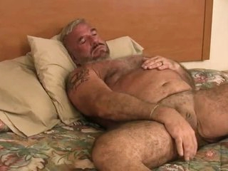 Old man Felice Jerks Off His Cock
