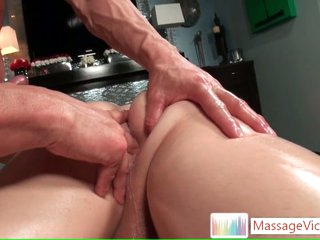 Suppliant gets his frowardness choke-full during massage