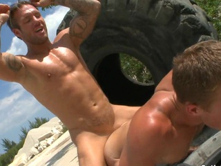 Mr Big simmering boyfriends estimation this giant brutal trundle for their passionate action.
