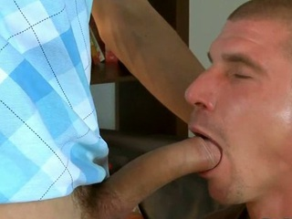 Cute hunk gives stud a raunchy added to wet blow bustle