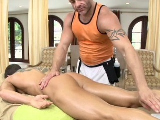 Male masseur is delighting a renowned gay keep to