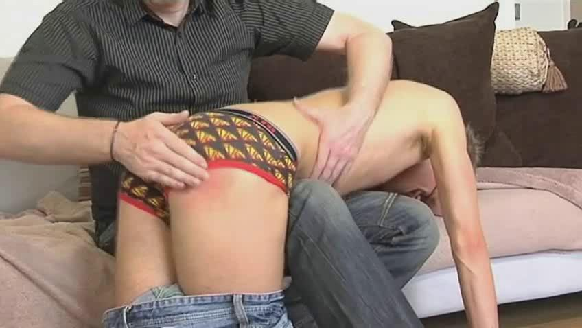 Skinny gay ladies' gets bent recklessness mature hunks knee together with spanked