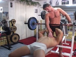 Gym working-out turns into sizzling hot gay bareback working-out