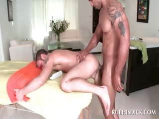 Afro masseur shafting white butt