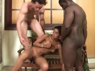 Blowjobs abound in Latin AC/DC threesome
